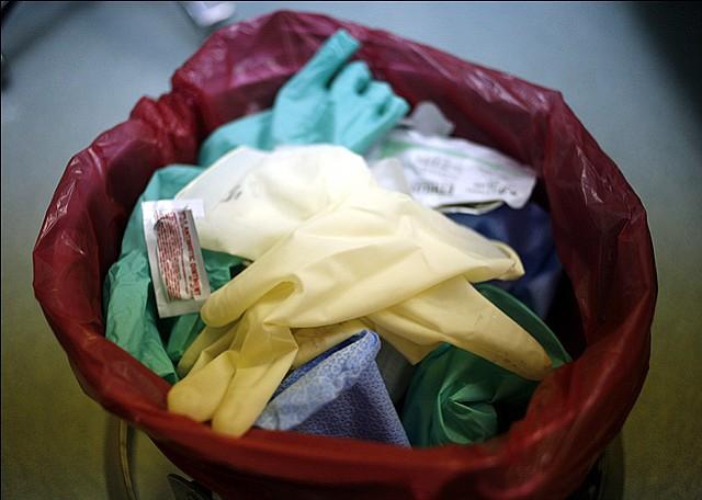 В чем опасность медицинских отходов?